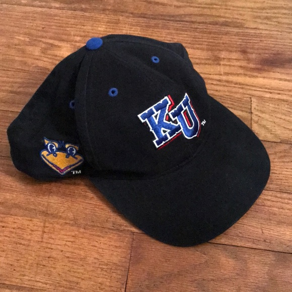 cheap for discount 40b12 c93fc University of Kansas Jayhawks Hat KU Logo. M 5b16045c035cf13a5aebf4bf